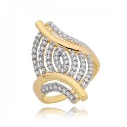 Śliczny złoty pierścionek z zamaszystym zdobieniem