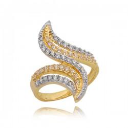 Złoty pierścionek z pięknym zamaszystym wzorem