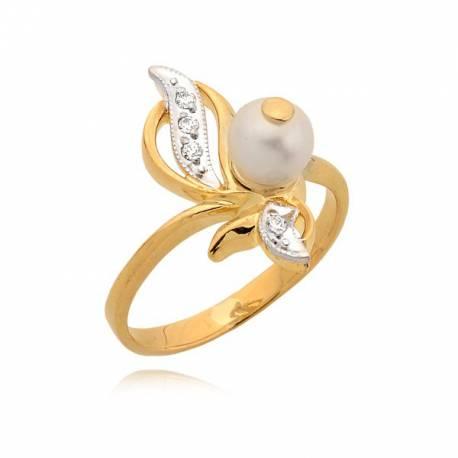 Złoty pierścionek z perłą