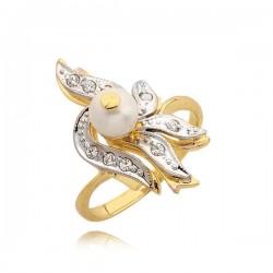 Piękny złoty pierścionek z perłą