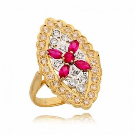 Złoty pierścionek z efektownym środkiem