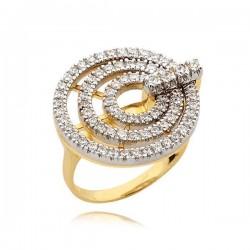Efektowny złoty pierścionek z motywami kółeczek
