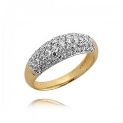 Piękny pierścionek z efektownie osadzonymi cyrkoniami