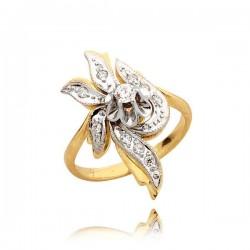 Śliczny złoty pierścionek bogato zdobiony