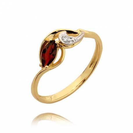Śliczny złoty pierścionek rubinem
