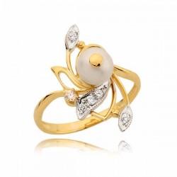 Bardzo ładnie zdobiony pierścionek z perłą