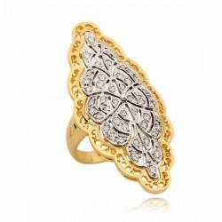 Niezwykły pierścionek z białego i żółtego złota