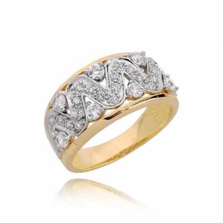 Śliczny pierścionek z imponującym wzorem