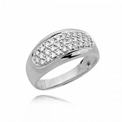 Śliczny złoty pierścionek z cyrkoniami z białego złota